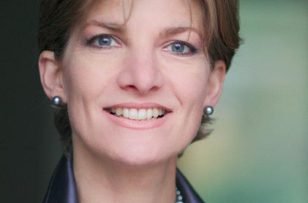 Stilvoll im Online-Interview: Katharina Starlay erklärt, wie es klappt
